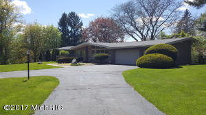 6998 Castle Drive, Bloomfield Hills, MI 48301