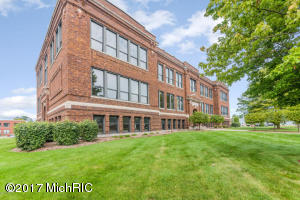 Property for sale at 460 Broadway Street Unit 201, South Haven,  MI 49090