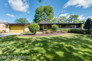 1725 Ranch Drive, Grand Rapids, MI 49504