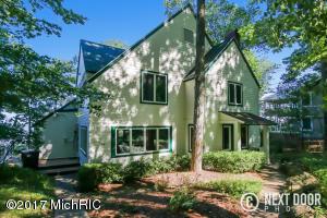 570 Shorewood Drive, Saugatuck, MI 49453
