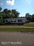 1003 Kenwood Avenue, Belding, MI 48809