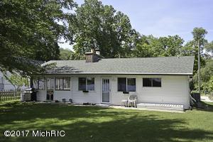 15831 Oak Decatur, MI 49045