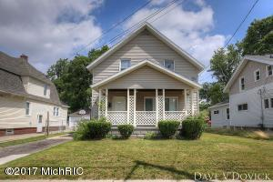 543 Burton Street, Grand Rapids, MI 49507
