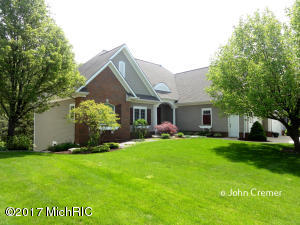 5322 Naples Cedar Drive, Wyoming, MI 49519