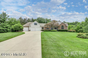 10646 Macatawa Lane, Holland, MI 49423