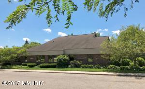 2540 Woodmeadow Drive, Grand Rapids, MI 49546