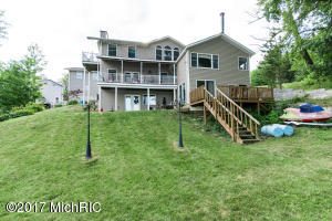 15649 Lakeview* Buchanan, MI 49107