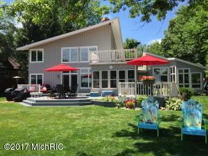 Property for sale at 11901 W Indian Lake Drive, Vicksburg,  MI 49097