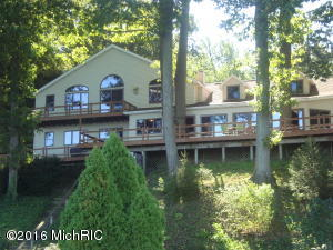 Property for sale at 5660 Woodland Avenue, Watervliet,  MI 49098