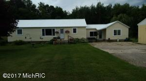 Single Family Home for Sale at 8886 104th Holton, Michigan 49425 United States