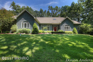 7180 Fox Meadow Drive, Rockford, MI 49341
