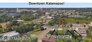 433 Riverview Drive, Kalamazoo, MI 49048