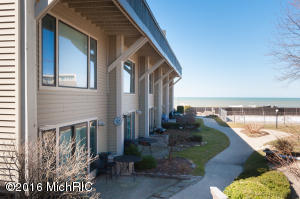Property for sale at 69 North Shore Drive Unit 34, South Haven,  MI 49090