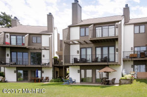 Property for sale at 101 North Shore Drive Unit 11, South Haven,  MI 49090