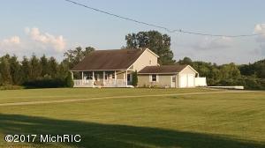 5831 Willow Creek Drive, Saranac, MI 48881