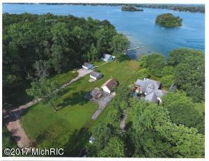 Property for sale at 3934 S Hermitage Pointe Road, Middleville,  MI 49333