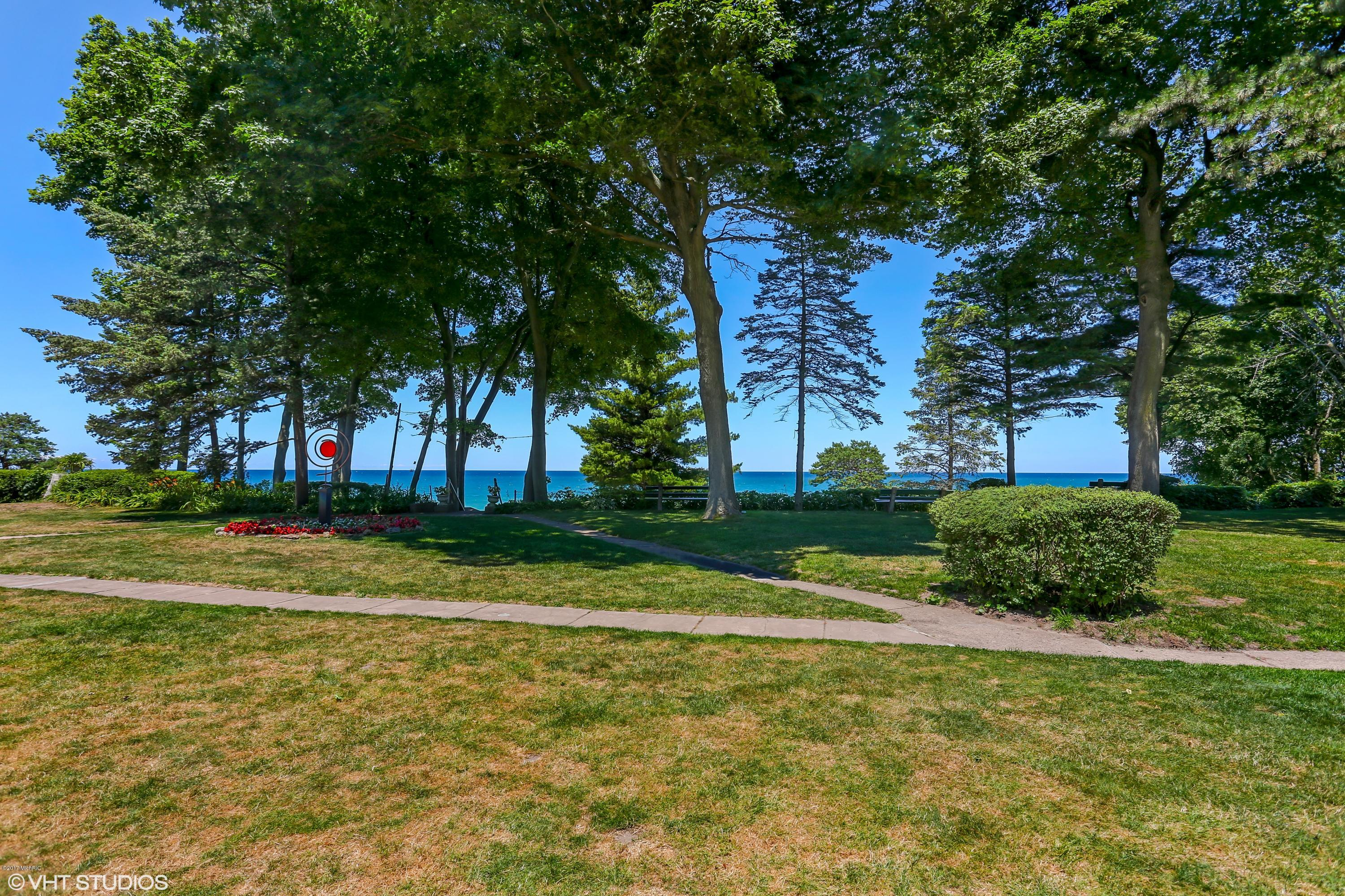15860 LAKESHORE ROAD, UNION PIER, MI 49129