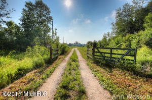 16540 Ritchie Avenue, Sand Lake, MI 49343