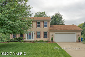 8255 Vista Royale Lane, Rockford, MI 49341