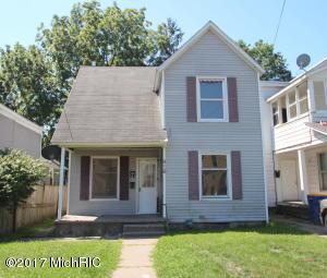 916 4th Street, Grand Rapids, MI 49504