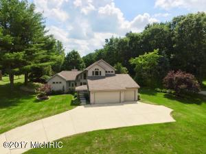 19515 Golfview Drive, Big Rapids, MI 49307
