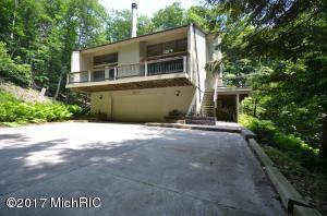 Single Family Home for Sale at 18180 NORTH SHORE ESTATES Spring Lake, Michigan 49456 United States