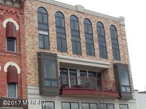 12 Washington Avenue #11, Grand Haven, MI 49417
