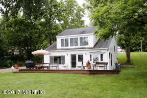 Property for sale at 3685 Richardson Drive, Gobles,  MI 49055
