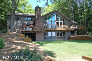 Single Family Home for Sale at 10923 East Royal Canadian Lakes, Michigan 49346 United States