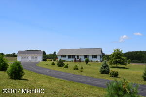 Farm / Ranch / Plantation for Sale at 5570 Archer Road Brethren, Michigan 49619 United States