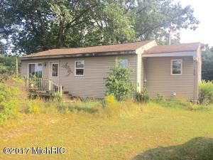 Single Family Home for Sale at 8547 Apple Ravenna, Michigan 49451 United States