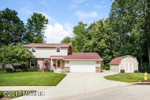 3407 Bluebird Ave, Wyoming, MI 49519
