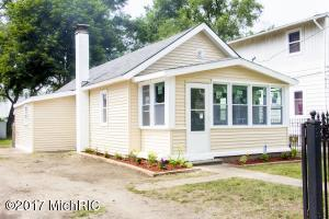 2841 Longstreet Avenue, Wyoming, MI 49509