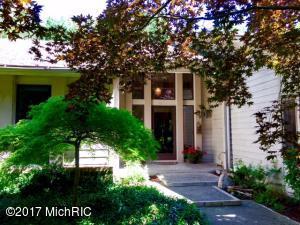 2379 Orchard Avenue, Holland, MI 49424