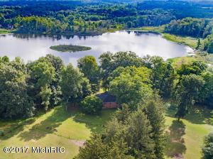 Farm / Ranch / Plantation for Sale at 14987 Boyle Lake Buchanan, Michigan 49107 United States