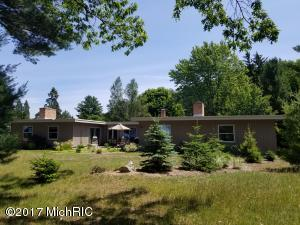 Single Family Home for Sale at 2696 Red Apple Manistee, Michigan 49660 United States