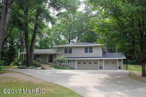 13480 Woodland Court, Big Rapids, MI 49307