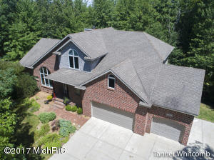 3933 Plateau Trace Court, Grand Rapids, MI 49525