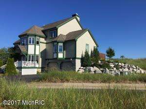 Property for sale at 272 N Lakeshore Drive, Manistee,  MI 49660