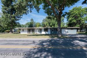 1709 Nazareth Road, Kalamazoo, MI 49048