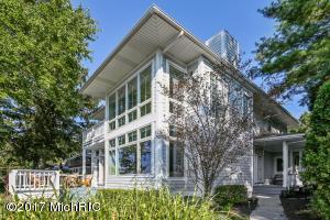Single Family Home for Sale at 3927 Lake Shore New Buffalo, Michigan 49117 United States