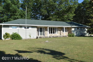 Single Family Home for Sale at 129 Sixth Eastlake, Michigan 49626 United States