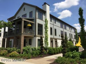 Property for sale at 682 Croswell Avenue Unit 4, East Grand Rapids,  MI 49506