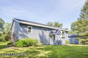 Property for sale at 610 S Bassett Lake Road, Middleville,  MI 49333