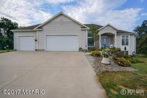 Single Family Home for Sale at 3099 Pinewood Muskegon, Michigan 49444 United States