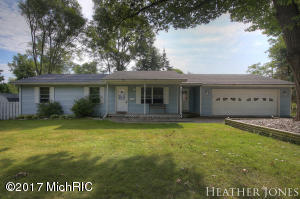 Single Family Home for Sale at 100 Olsen Greenville, Michigan 48838 United States