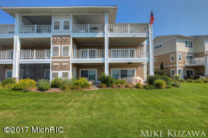Single Family Home for Sale at 930 Savidge Spring Lake, Michigan 49456 United States