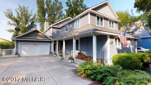 Single Family Home for Sale at 673 Lake Saugatuck, Michigan 49453 United States