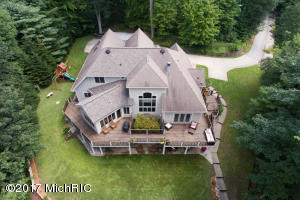 Single Family Home for Sale at 19075 Fruitport Spring Lake, Michigan 49456 United States