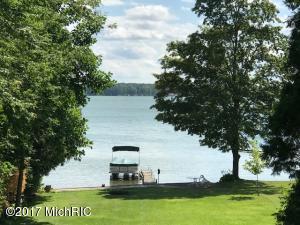 Property for sale at 6740 W Lake Drive, Fremont,  MI 49412